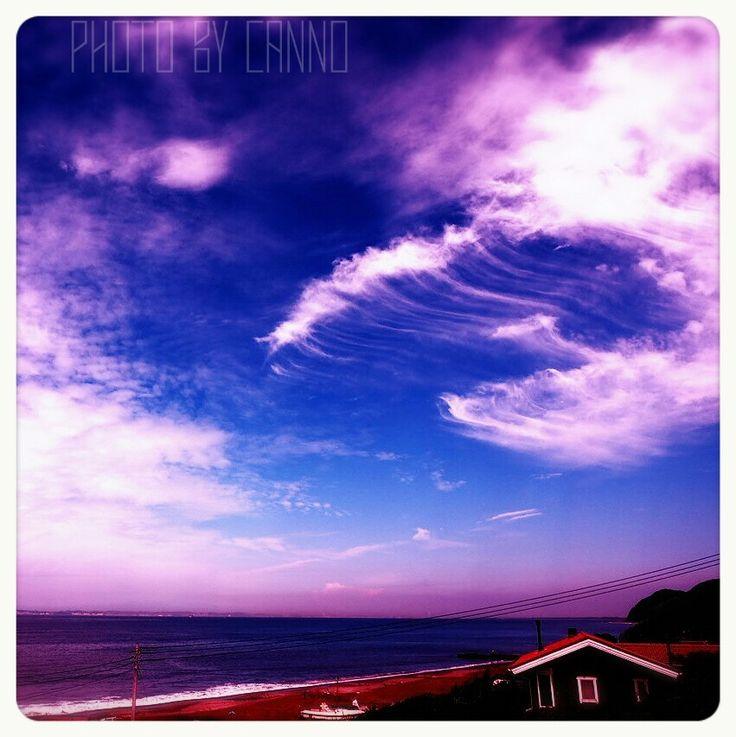 おはようございます。今日も暑いね、台風の影響で大雨、気をつけて下さい。週始まり今週も頑張りましょう!! #空でつながる #Photo_by_Canno