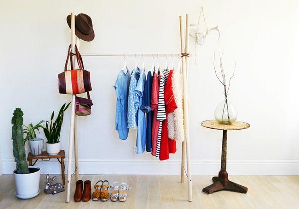 Siguiendo unos sencillos pasos podrás hacerte con un armario como los del artículo que te presentamos. ¿Quieres aprender a construir un armario al aire? ¡Aquí te damos las claves!