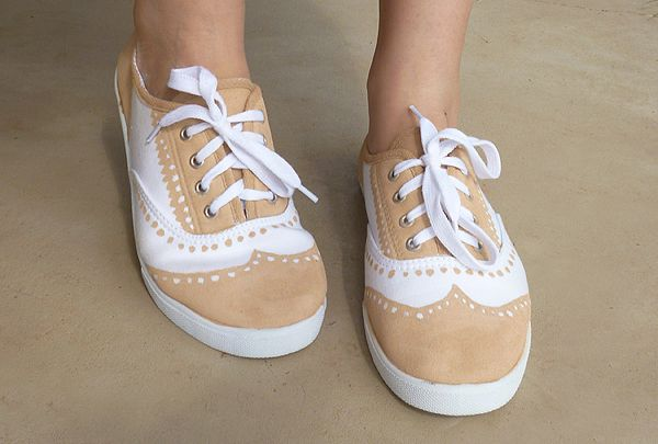 Faux Painted Oxfords DIY | Mom Spark™ - A Blog for Moms - Mom BlogCrafts Ideas, Oxfords Diy, Painting Shoes, Diy Fashion, Oxfords Shoes, Faux Painting, Painting Oxfords, Mom Sparkly, Diy Oxfords