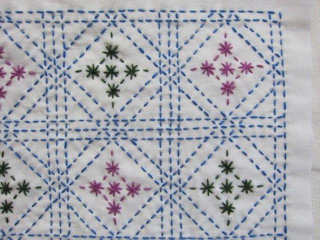 刺し子の布巾(枡刺し/青色×濃い緑色×明るい紫色)