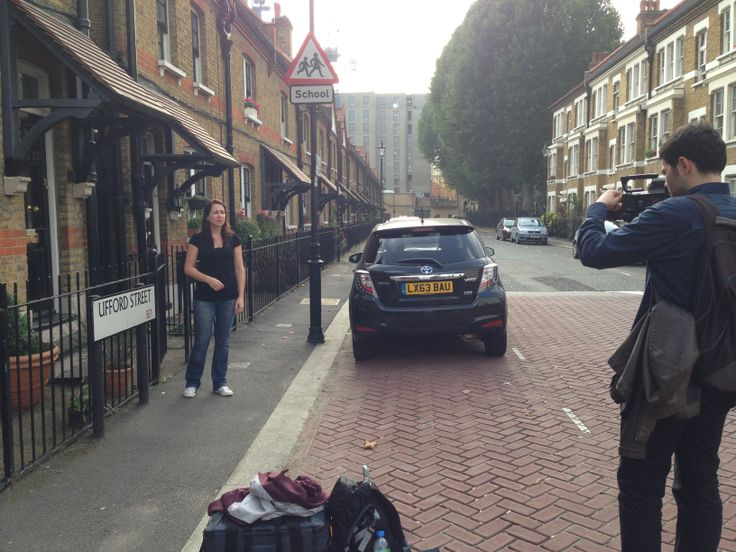 Recording movies about #London for @Room in the Moon #movingabroad