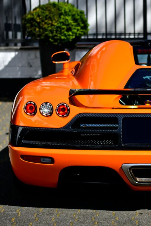 Pin on Pagani, Koenigsegg, Bugatti,