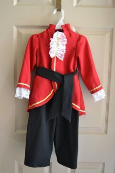 Pirate Captain Child's Costume 3T/4T, Captain Hook