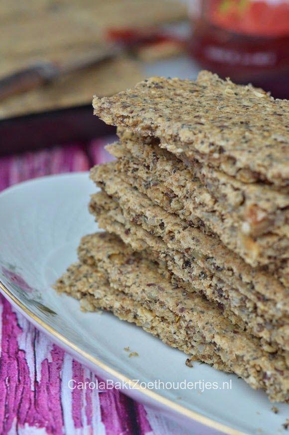 Havermoutcrackers, lekker van smaak en daarbij geven ze je langdurig energie. En dat betekend dat je minder hoeft te snaaien. :)havermout crackers havermoutje