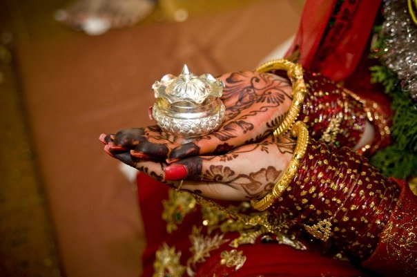 Silver box to keep a traditional red or orange-red colored cosmetic (sindoor) powder  usually worn by married women along the parting of their hair.