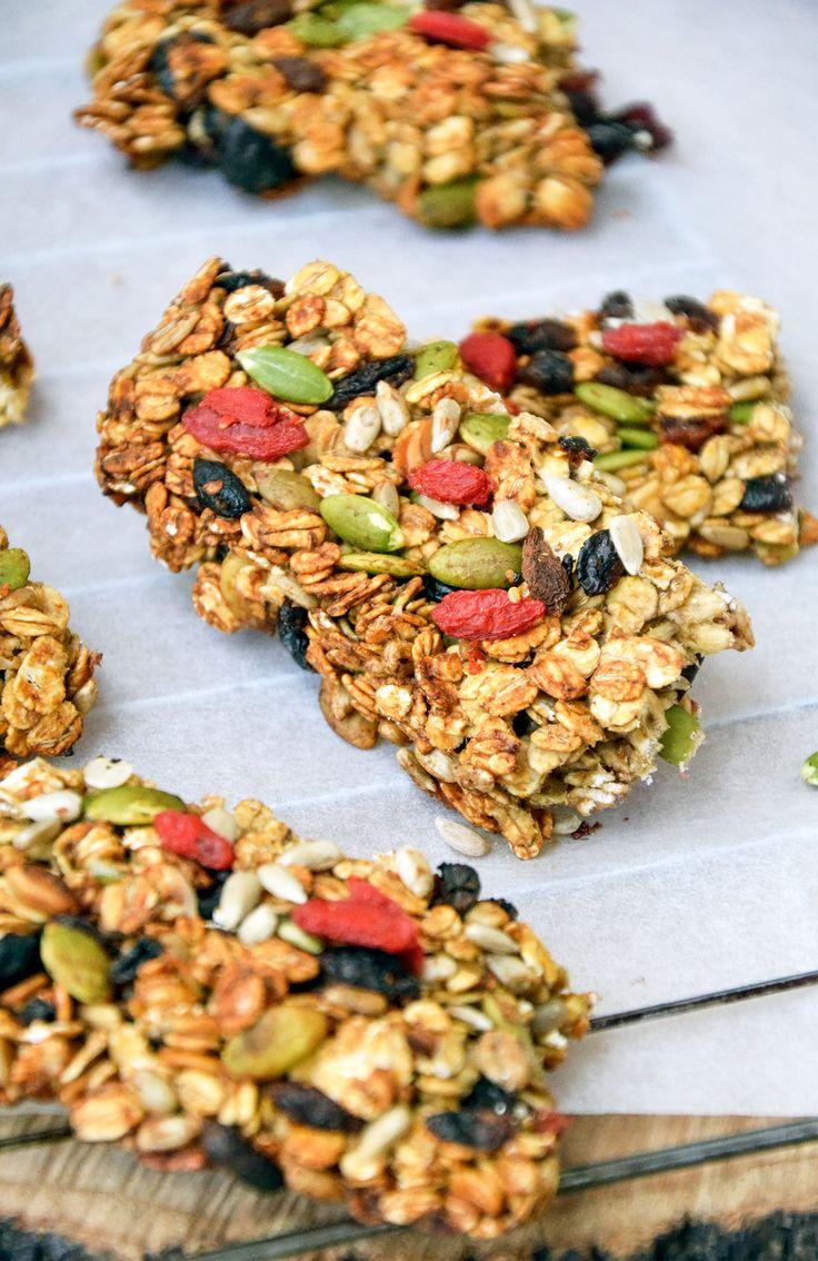 BATONIKI ENERGETYCZNE http://sokzycia.pl/batoniki-energetyczne/  #batonik #energia #energy #zdrowy #health #bezcukru #sugarfree #fruit #owoce #przepis #recipe#sportowejedzenie #jemzdrowo #sokzycia #trening #nasiona #vegetarian #vegetarianfood #taste Usuń komentarz