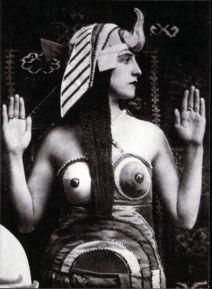 Traje diseñado por Sonia Delaunay para el ballet ruso de Cleopatra, 1918.