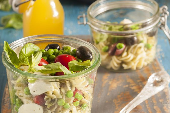 Pesto pasta salad • Thinking of going on a picnic? Here's a great lunch to take along with you.