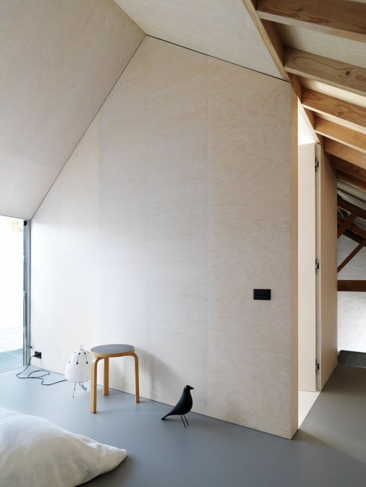 The Shed / Richard Peters Associates (6) _ plywood wall....