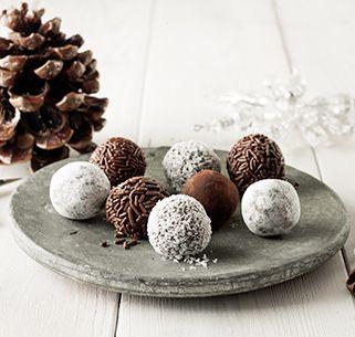 Diese schokoladigen Rumkugeln liegen bestimmt nicht lange rum!