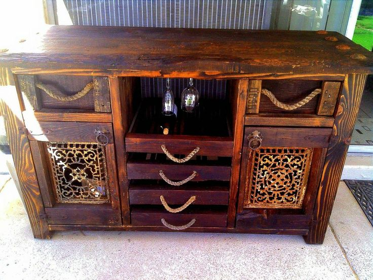 Wine/Sofa Table project - Made mostly from reclaimed wood. #DIY Click to see how it was made!