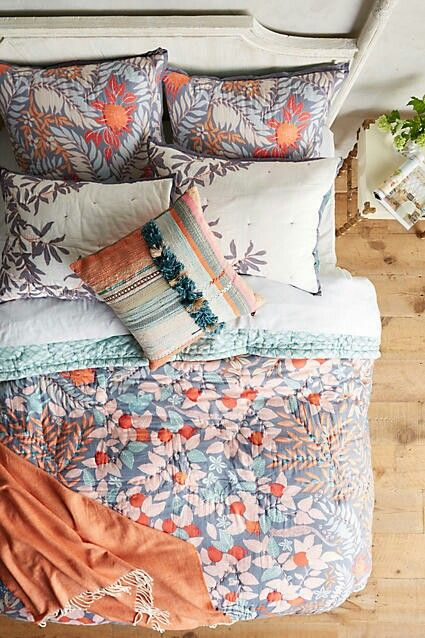 This quilt is one of my favourite  cozy things, here!