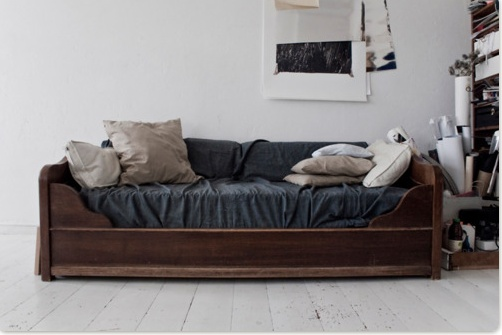 Couch I Like That This Couch Looks Like A Bed In Disguise Sofa Bed Pinterest