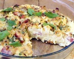 Quiche sans pâte au chou-fleur et aux lardons : http://www.cuisineaz.com/recettes/quiche-sans-pate-au-chou-fleur-et-au-jambon-65396.aspx