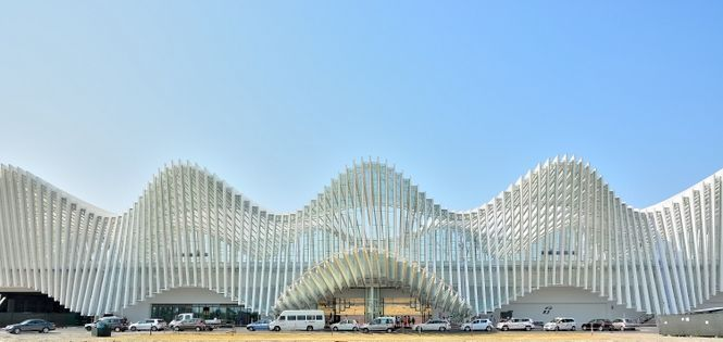 Countdown to the opening of Calatrava's Mediopadana station - 2013 - Clark Malcolm