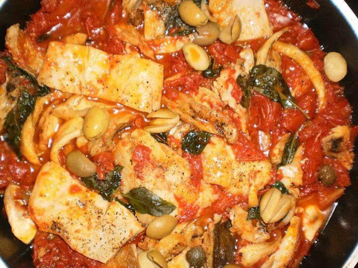 Il Pescestocco è uno dei piatti più popolari nella provincia di Messina. Non vorrei dire una sciocchezza, ma credo proprio che sia la pietanza più rappresentativa dei messinesi.      Si tratta di un piatto corposo, robusto e gustoso. Costituisce …