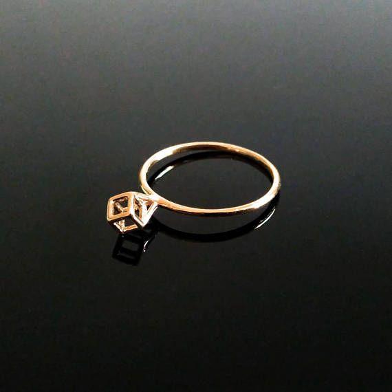 Kubeo - Minimalist Gold Ring designed by Siemen Cuypers.