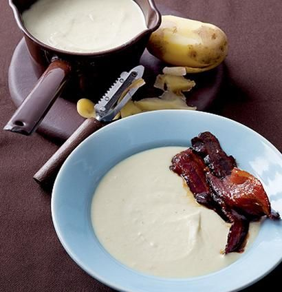 Creamed potato soup with sticky maple bacon