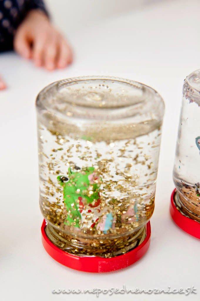 Materiál: sklenená fľaša s vrchnákom na šróbovanie trblietky plastová figúrka…