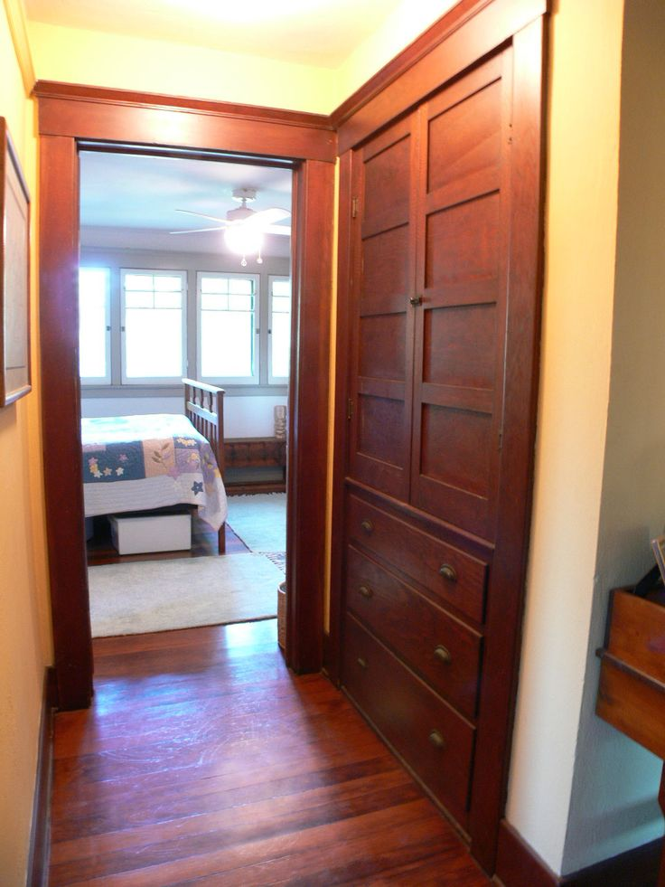 Built In Craftsman Linen Closet With Drawers Maybe Glass Front Doors On Top To Display Quilts