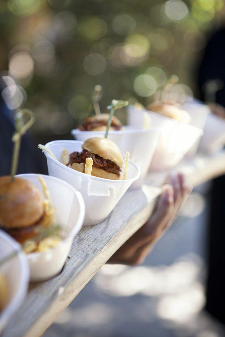 MINI HAMURGUESAS CON PATATAS SERVIDAS EN CONOS DE PAPEL #appetizer