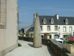 Monolithe (stèle de l'age du fer) à Plonéour-Lanvern, Finistère