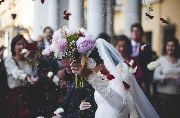 El mundo de las bodas está rodeado de muchas costumbres y creencias, y cada una tiene un significado especial. Estas son las 9 costumbres más comunes que podrás ver en una boda