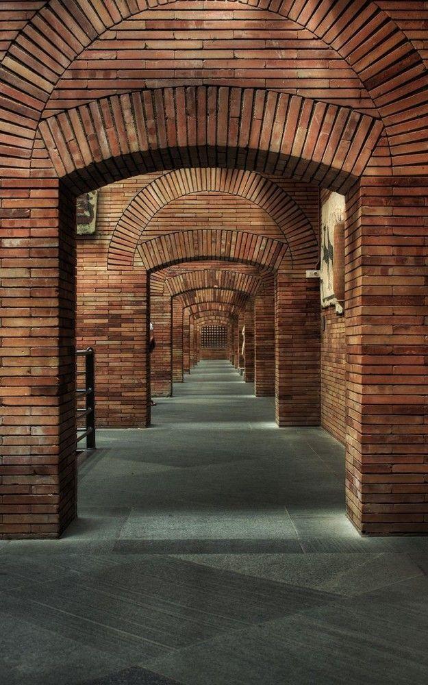 AD Classics: National Museum of Roman Art / Rafael Moneo