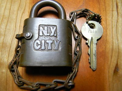 A really nice old Yale logo lock from NYC!