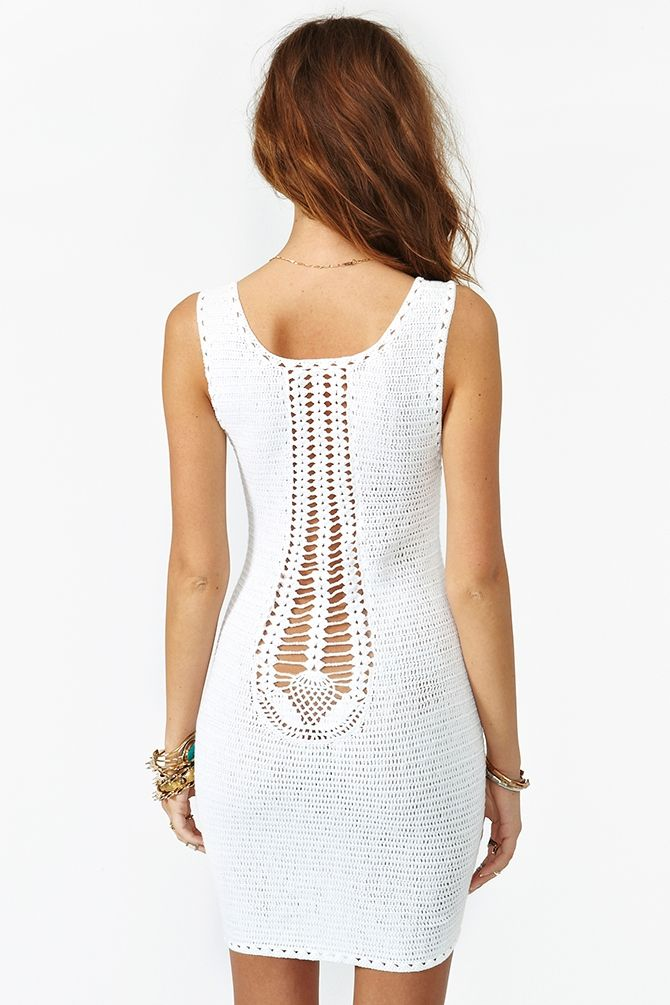 Crochetemoda: Vestido Branco de Crochet | Easy to follow though there is no pattern