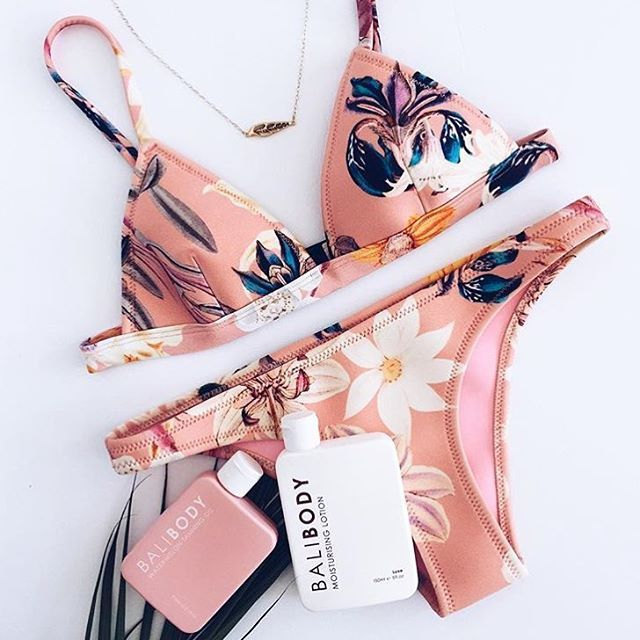 Pretty in pink ✨ When your kini matches your tanning oil.  Smell like summer with our Watermelon Tanning Oil followed by our Luxe Moisturising lotion to keep that skin glowing & smooth all summer long! Shop balibody.com.au FREE tracked shipping to over 40 countries ⚡️ Thanks for sharing @miss.lendel  #balibody