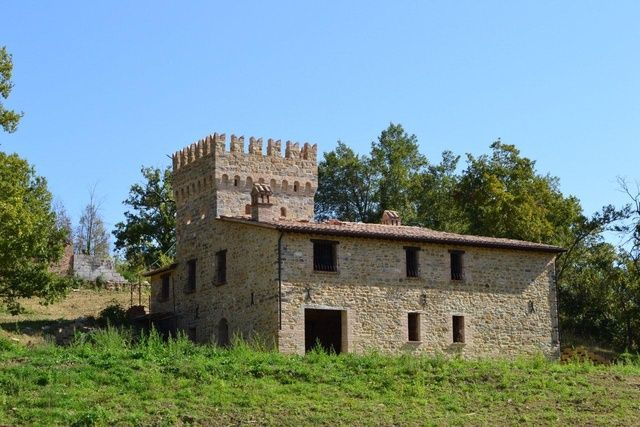 Ancient castle - tower dated back XVII century for sale in Matelica, Le Marche | Moulin