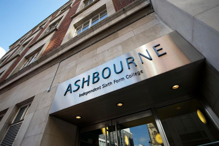 Ashbourne College – одна из лучших частных школ в Лондоне. Высокое качество преподавания и индивидуальное внимание студентам, помогают раскрыть потенциал каждого. #образование #школа #Лондон #Великобритания  Большинство студентов школы Ashbourne достигают высоких академических успехов и поступают в топовые вузы Великобритании.
