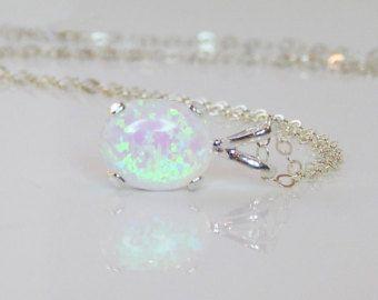 Opaal zilveren CZ & witte Opaal ketting door AyansiWeddingDesigns