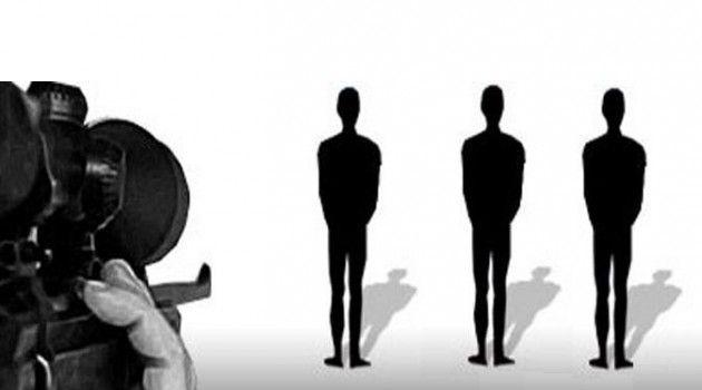 Menteri Luar Negeri Australia Julie Bishop menawarkan pertukaran narapidana menjelang eksekusi mati dua terpidana mati kasus narkoba Myuran Sukumaran dan Andrew Chan. Selasa (03/03/2015), Menteri Luar Negeri Retno Marsudi dikabarkan mendapat telepon dari Julie Bishop untuk membahas tawaran tersebut. Bunyi dari pembicaraan itu, Bishop memberikan tawaran pertukaran narapidana antara Australia dan Indonesia demi membatalkan eksekusi mati duo Bali Nine itu.