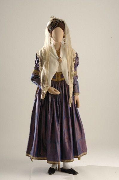 Νυφική Λευκάδας Bridal costume from Lefkas