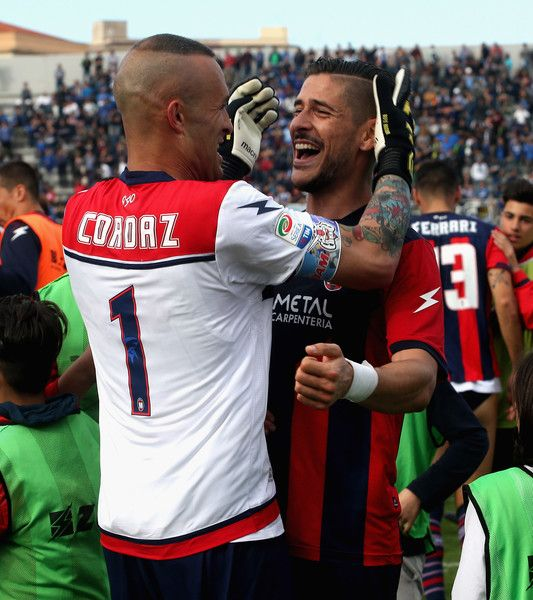 Diego Falcinelli (R) ans Alex Cordaz of Crotone celebrate after the Serie A match between FC Crotone and FC Internazionale at Stadio Comunale Ezio Scida on April 9, 2017 in Crotone, Italy.