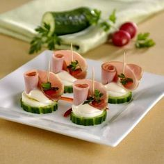 Egy finom Sonkás falatkák tojásos uborkatalpon ebédre vagy vacsorára? Sonkás falatkák tojásos uborkatalpon Receptek a Mindmegette.hu Recept gyűjteményében!
