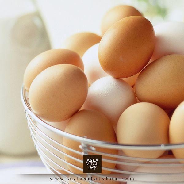 Yumurta; Yüksek protein ve amino asit içeriği ile dokuların kendini yenilemesine yardımcı olurken, ayrıca selenyum ile cilt kanserine karşı koruma sağlar. İçerisinde bulunan A vitamini ise cilt hücrelerini güçlendirerek ben ve cilt lekeleri oluşumunu engellediğinden sabah kahvaltısında yumurta yemeyi ihmal etmeyin. #sağlık #yumurta