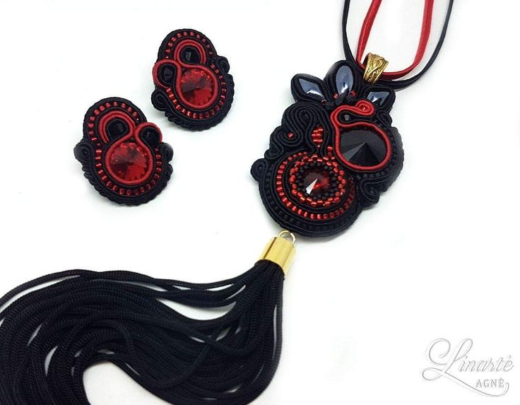 Agne Linarte jewelry & accessories, pendant and earrings embellished with crystals from Swarovski and Toho seed beads.