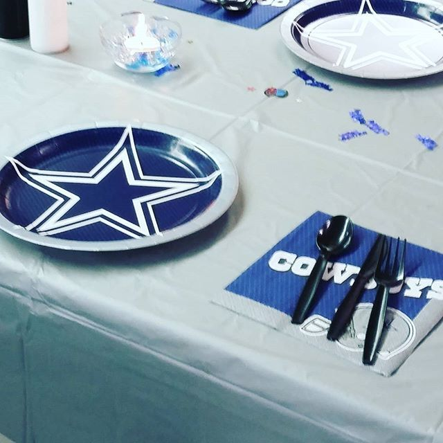 Dallas Cowboys themed birthday party #HireAPlanner #EventPlanner by kweensweddingandevents. hireaplanner #eventplanner #eventprofs #meetingprofs #eventplanner #meetings #events