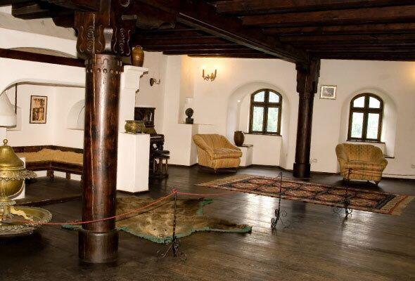 Interior do Castelo do Conde Vlad Drácula, na Transilvânia, România.