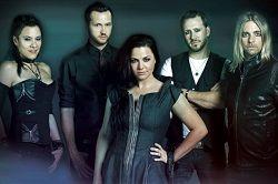 Вокалистка американского рок-коллектива Evanescence Эми Ли (Amy Lee) рассказала о проекте, над которым последние несколько месяцев работают музыканты. Речь идёт об альбоме под названием «Synthesis». «Это и есть синтез – сочетание, контраст, синергия между органикой и синтет�
