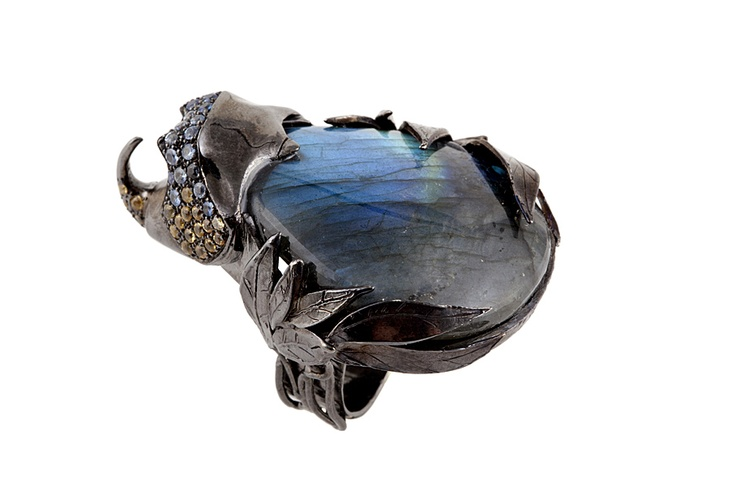 Giuliana Mancinelli Bonafaccia - Silver ring dipped in black ruthenium, labradorite drop and multicolor sapphires.