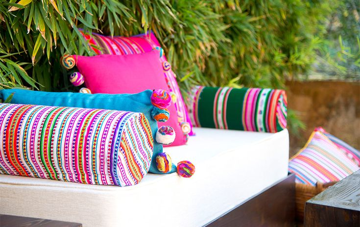 Color andino cushions