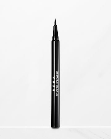 Skinny Pen a Liner from Hera cosmetics A liquid pen eyeliner which easily draws lines and fills in space between eyelashes. Waterproof and smudge free. Consists of an easy to use pen type applicator, where it's also easy to draw lines quickly.