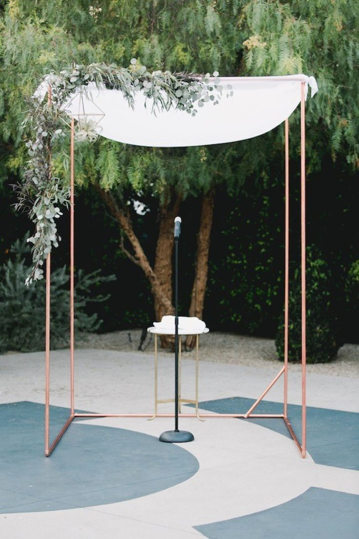 For a modern minimalist bride, think copper and soft white muslin / Chuppah ideas and styling for a modern Jewish wedding  / http://www.smashingtheglass.com/2016/08/05/chuppah-ideas-styling-modern-jewish-wedding/