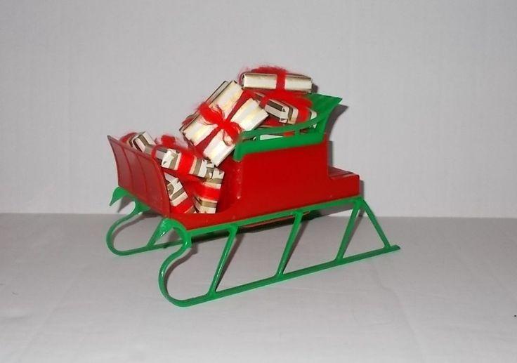 CHRISTMAS VINTAGE  SLEIGH HARD PLASTIC CHRISTMAS DECORATION W/ WRAPPED PRESENTS