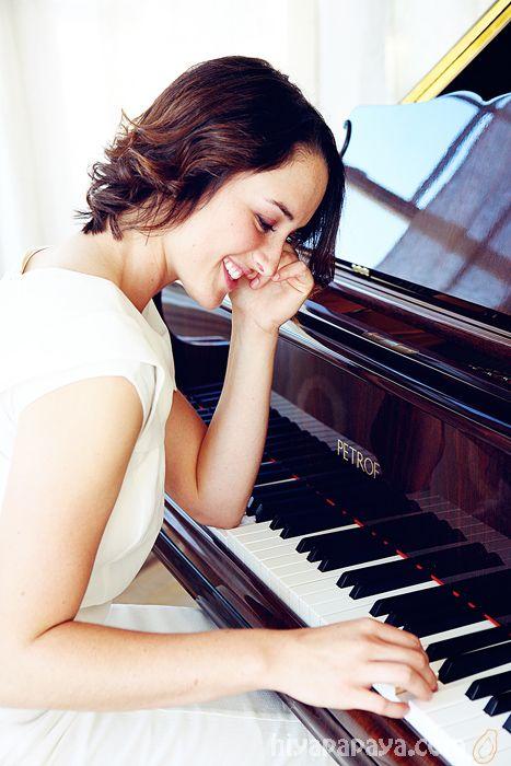 up and coming young musician shoot - with piano - hiya papaya PHOTOGRAPHY