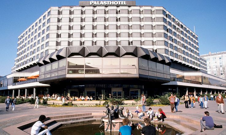 Palast Hotel, Berlin Mitte, DDR. Built between 1975-79 but now demolished.